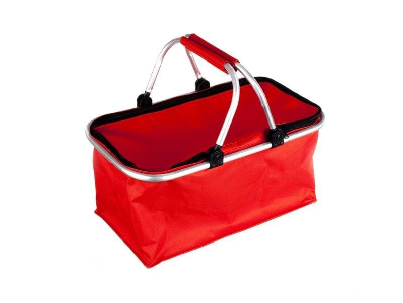 Czerwony kosz piknikowy pomieści smakołyki dla całej rodziny