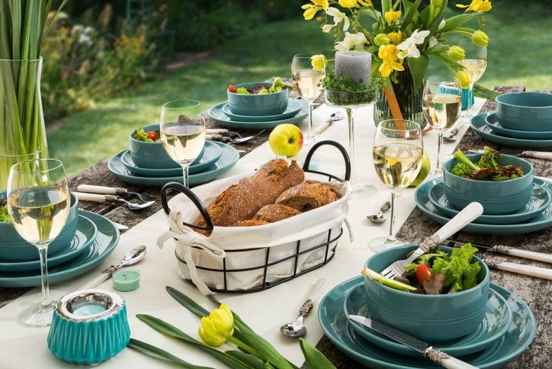 L'ensemble de dîner Blue Touch of the sea reflète parfaitement l'atmosphère de l'été