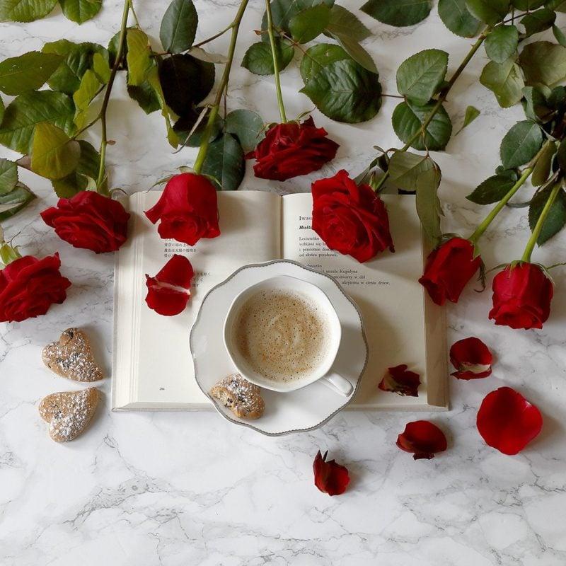 Le service à café Silver vous aidera à créer la photo parfaite avec un café du matin sur Instagram.