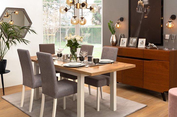 Utilisez la table Holten pour créer des arrangements élégants dans votre salle à manger.