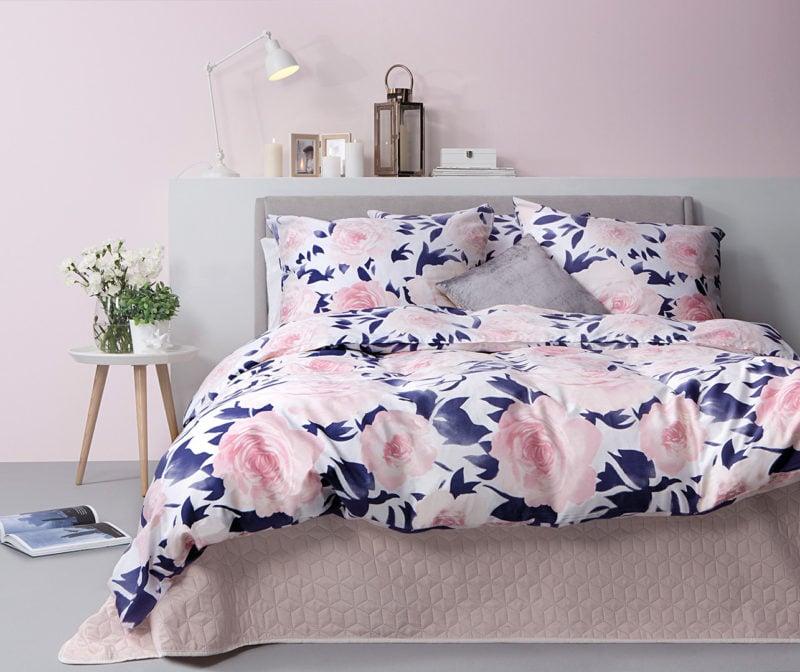 Łóżko w stylu shabby chic