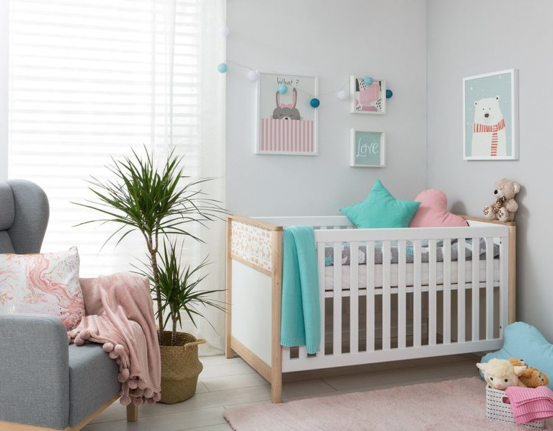 Pastelowyobraz Miś Polarnyrozweseli i ożywi dziecięcy pokój w stylu retro.