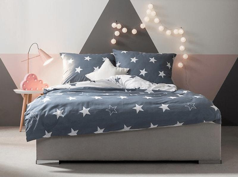 Lampka LED chmurka  nad łóżkiem