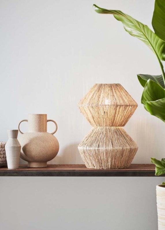 Lampa stołowa Straw – designerskie oświetlenie z rattanu