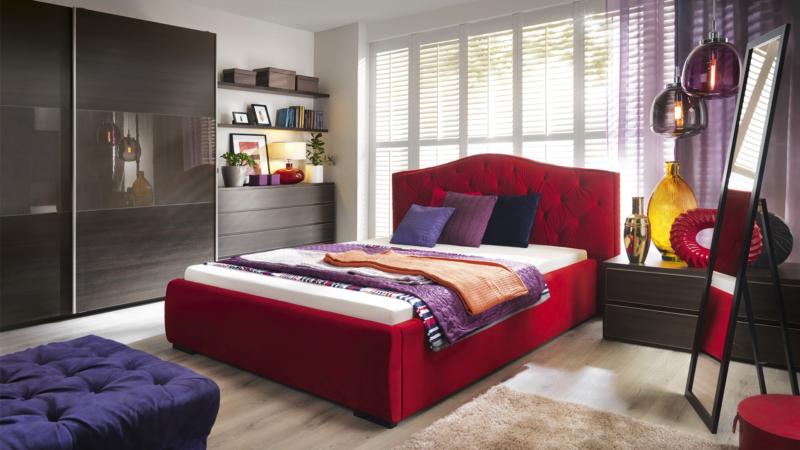 Le lit matelassé Granda vous fera vous sentir comme dans une chambre royale