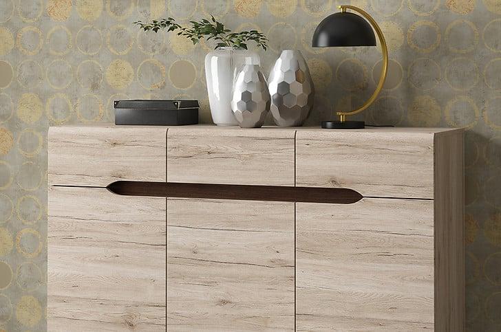 Lampa stołowa Umbra świetnie pasuje do tapety w złoty wzór