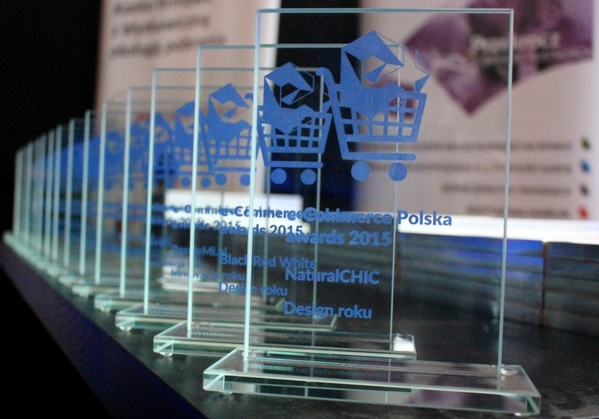 "Nagroda e-Commerce Polska Awards 2015 w kategorii ""Design roku"" dla Black Red White"